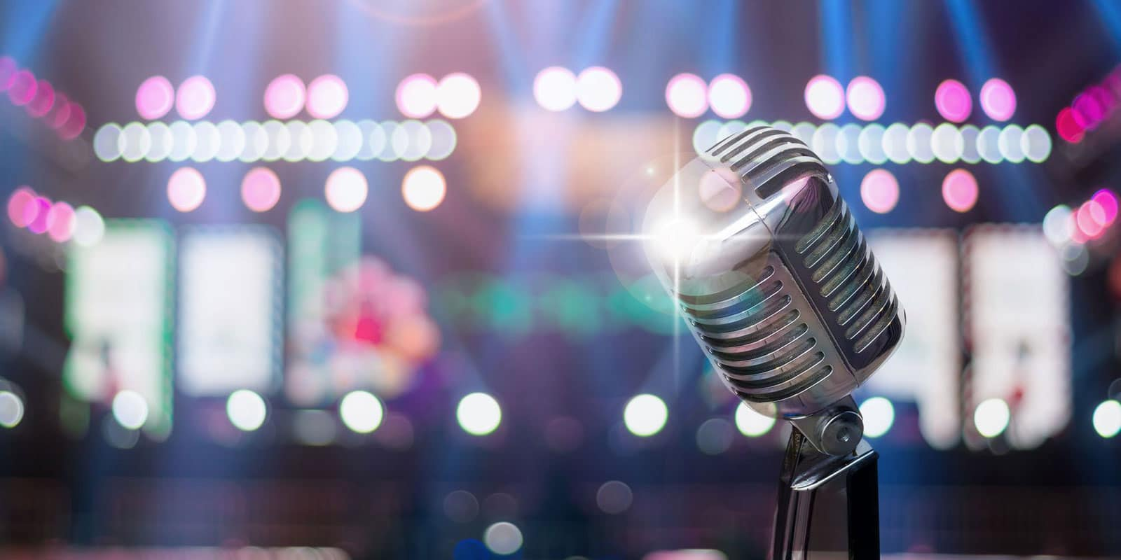 Microfone in the spotlights